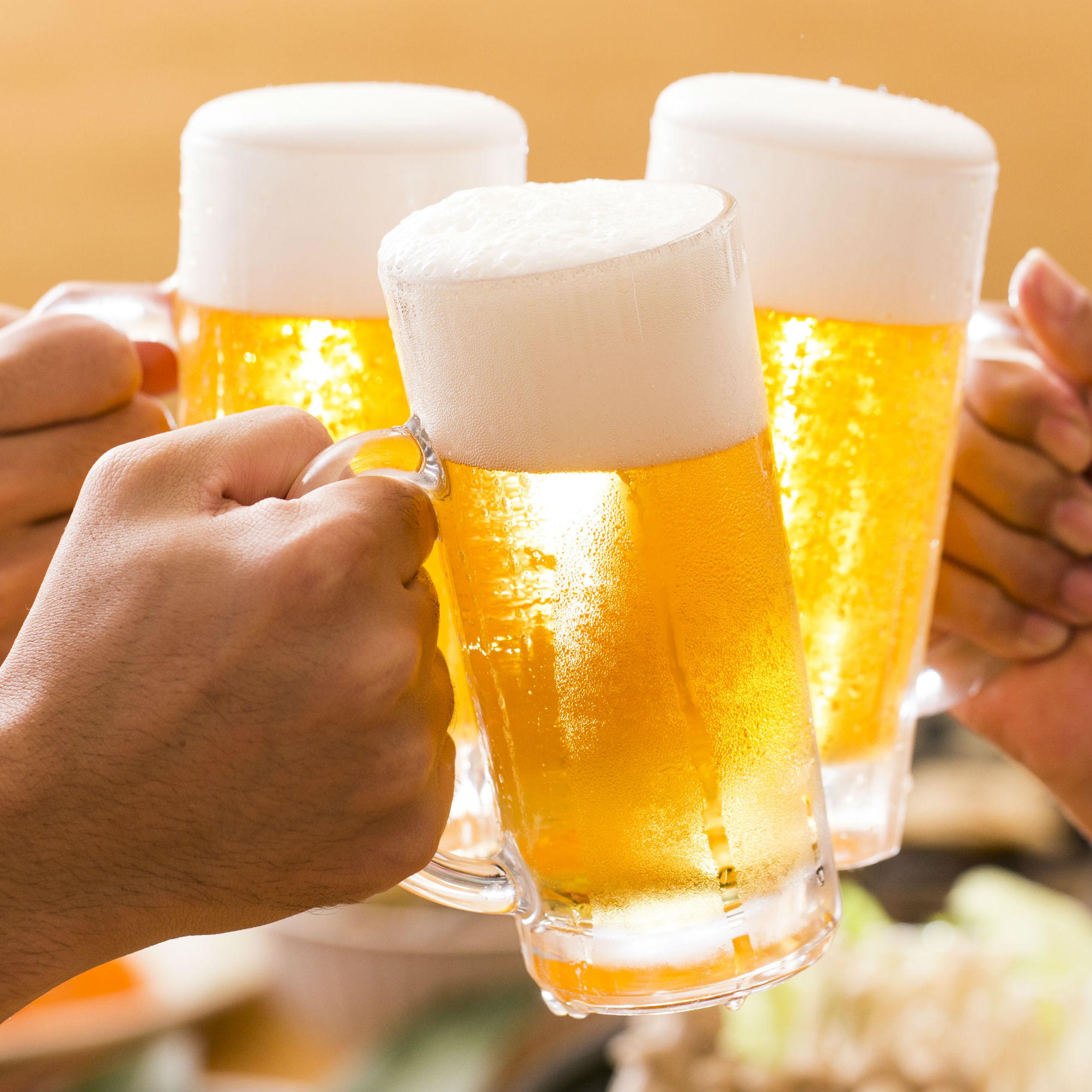 399_TOP_ビールで乾杯
